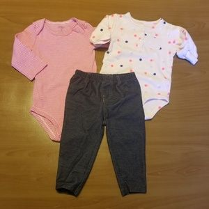 Carter's Lot of 2 Onesies, 1 Pants 9 Months